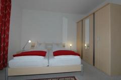 apartmenthaus-ahorn-schlafzimmer(2)